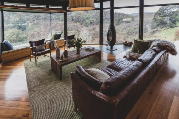Australian Interiors. Clifftop at Hepburn.