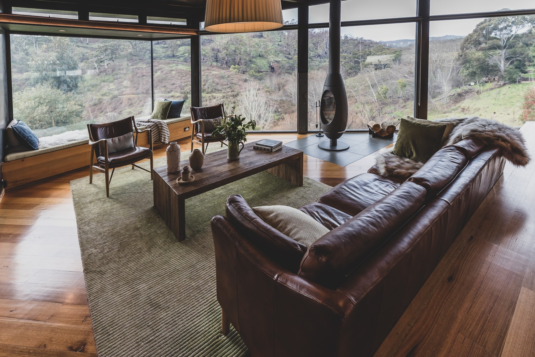 Australian Interiors. Clifftop at Hepburn.