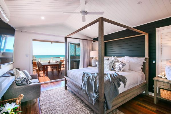 Luxury-Beach-Front-Bungalow-Agnes-Waters-1