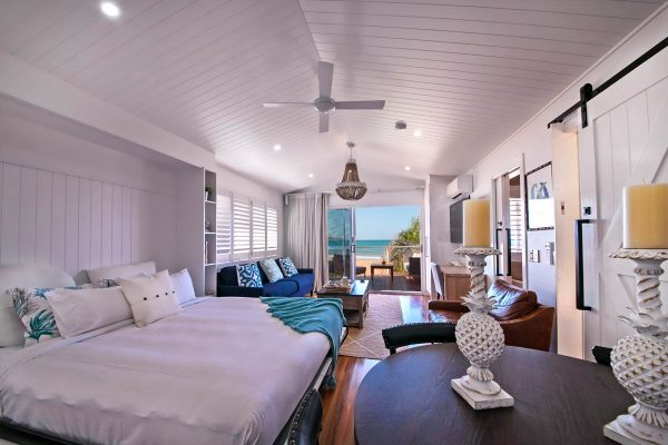 Luxury-Beach-Front-Bungalow-Agnes-Waters-5