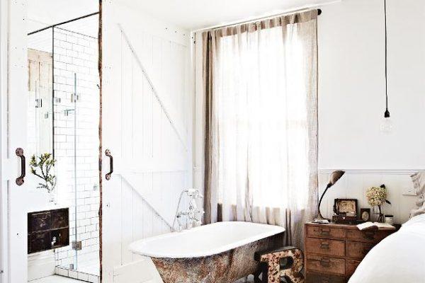 Vintage House DaylesfordKali+Cavanagh+-+Vintage+House+Daylesford+Inside+Out+Image+Bedroom+1