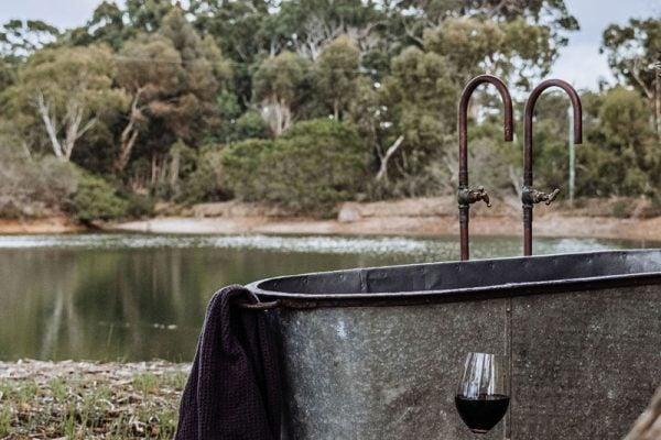 Petit Eco Cabin outdoor bath
